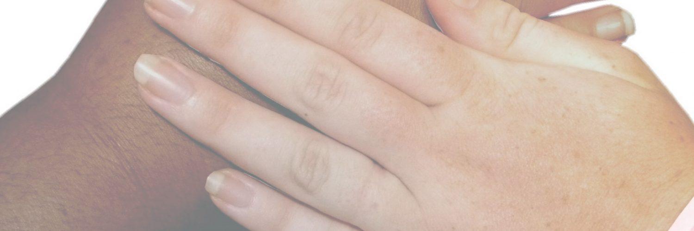 4 mains (désaturées)