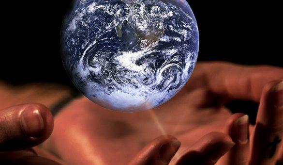 monde ds les mains